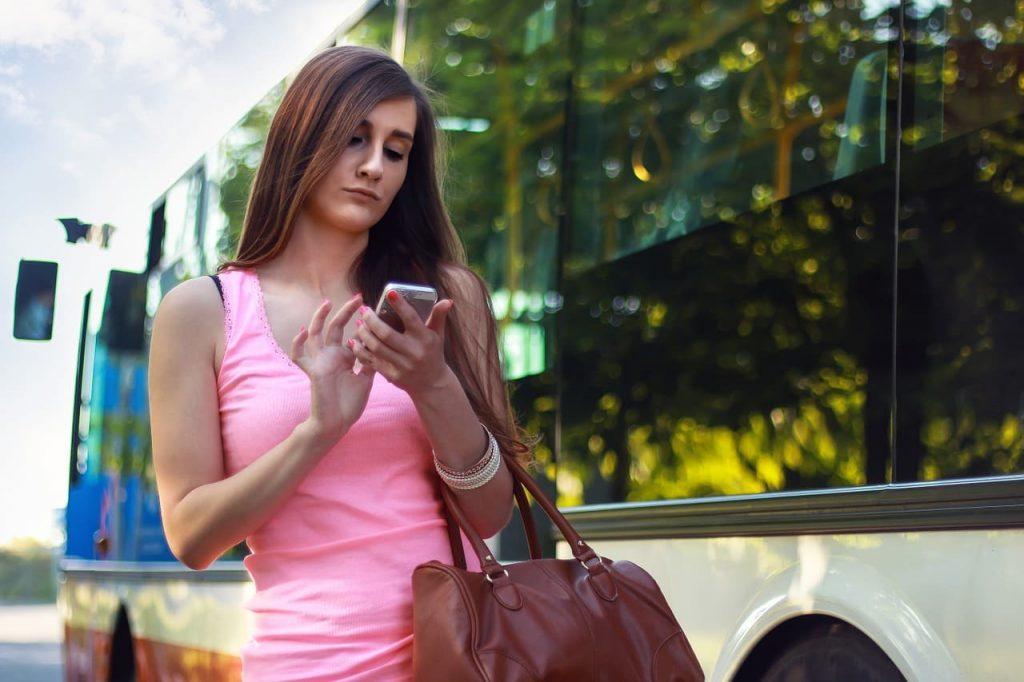 masquer son identité lors d'un sms
